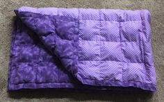 DIY Washable Weighted Blanket 2019 Weighted blankets are often recommended for providing calming deep pressure input for individuals with anxiety The post DIY Washable Weighted Blanket 2019 appeared first on Blanket Diy. Easy Sewing Projects, Sewing Projects For Beginners, Sewing Tutorials, Sewing Ideas, Sewing Patterns, Sewing Designs, Diy Projects, Sewing Diy, Sewing Hacks