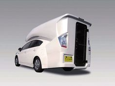 A Toyota Prius camper van conversion seen at the 2012 Tokyo Auto Salon with NAPAC. It does exist and it's available for order. Toyota Prius, Camping Glamping, Camping Hacks, Camping Ideas, Car Hacks, Camping Stuff, Family Camping, Pick Up, Accessoires Camping Car