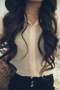 long curls. perfect. i can never get my hair to look like this!