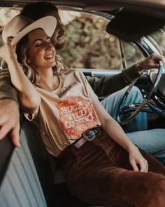CAN'T BE TAMED TAN TEE Country Lifestyle, Wild Hearts, Good Times, Cowboy Hats, Westerns, Bring It On, Australia, Style Inspiration, Boho