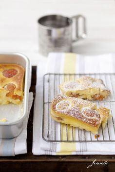 Quark-Aprikosen-Kuchen.quark Eier Grieß ohne mehl