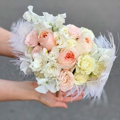 Идеальные Букеты для идеальных невест, моно, миксы из премиальных сортов. Бутоньерка в подарок. Больше выбора на сайте Floral Wreath, Wreaths, Table Decorations, Wedding, Home Decor, Valentines Day Weddings, Floral Crown, Decoration Home, Door Wreaths