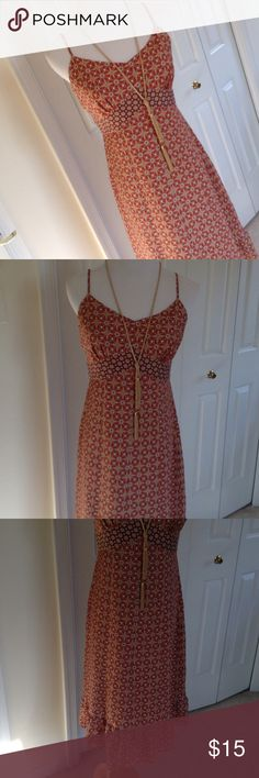 LOFT orange tan geometric boho sleeveless dress 6p Lovely Ann Taylor Loft orange and tan geometric pattern boho sleeveless spaghetti strap dress size 6P. Ruffle hem 100% polyester with 100% polyester lining. Necklace not included. LOFT Dresses Midi