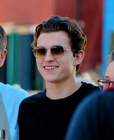 Tom with glasses Tom Parker, Tom Holland Peter Parker, Most Beautiful Man, Gorgeous Men, Spiderman, Baby Toms, Tommy Boy, My Tom, Men's Toms