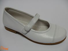 Merceditas Piel Blanca  - Zapatos comunión niña - Hecho en España - Disponible n.º 32 al 37  Pedidos a: info@calzadoschiqui.net