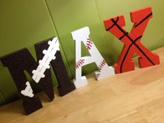 Day 11 @JoAnn_Stores #BIGCraftChallenge -DIY- these just finished drying! #sports pic.twitter.com/ybWm6K4sMA