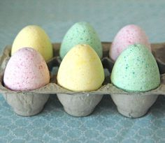 Kids' Science Experiment: Fizzy Scented Bath Bombs for Mom - Playdough To Plato | Playdough To Plato