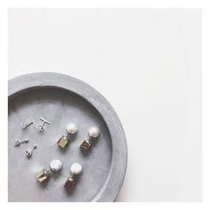 "The Bargain Diaries on Instagram: ""The new $1 concrete tray from @kmartaus is perfect as an affordable earring/jewellery tray! How have you guys styled it? Share with us by tagging us with @thebargaindiaries or #thebargaindiaries!  #bargain #kmartstyling #cement #homedecor"""