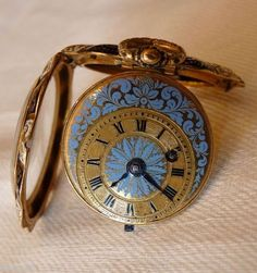 Schmuck-Taschenuhr mit Cylinderhemmung Moulinié frères und Cie, Genf 1835 Neo Victorian, Victorian Steampunk, Amazing Watches, Beautiful Watches, Pocket Watch Drawing, Grandfather Clock, Vintage Watches, Cross Pendant, Magenta