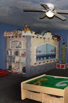 Gabes Castle bed