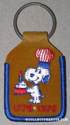 Snoopy holding Cake Bicentennial Keychain