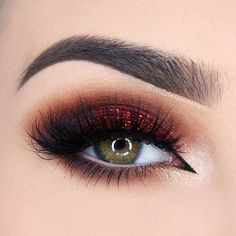 @MiauMauve2 shows us how to rock a red smoky eye! She used shades from our First Edition - 120 Color Eyeshadow Palette to get this pretty crimson look :) More