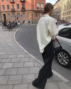 Minimalist Outfit Ideas - Crystal Sundays Finally made it to my native country.
