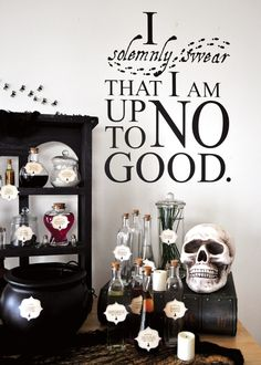 A Magical Harry Potter Birthday Party ~ lots of great decoration ideas. Love the 'candy shop' for dessert table. I just want the wall sricker! Harry Potter Halloween, Harry Potter Bedroom, Harry Potter Birthday, Harry Potter Thema, Harry Potter Love, Theme Halloween, Anniversaire Harry Potter, Mischief Managed, Party Themes