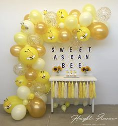 omes with EVERYTHING! Perfect for Sweet as can Bee and Bumblebee birthday & baby shower backdrops Décoration Baby Shower, Baby Shower Backdrop, Baby Shower Yellow, Baby Shower Balloons, Baby Shower Themes, Baby Shower Decorations, Shower Ideas, Diy Balloon, Balloon Garland