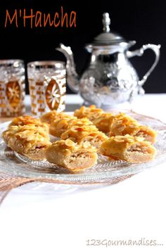 M'hancha Ramadan Recipes, Sweet Pastries, Iftar, Macaroni And Cheese, Biscuits, French Toast, Sweets, Dishes, Cookies