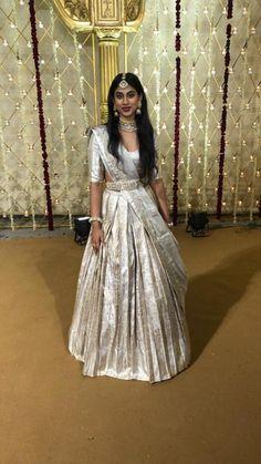 20 ideas for wedding party kids brides Lehenga Saree Design, Half Saree Lehenga, Lehnga Dress, Bridal Lehenga Choli, Lehenga Designs, Banarasi Lehenga, Sarees, Saree Wedding, Wedding Dresses