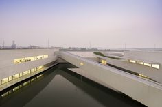 Gallery of The Building on the Water / Álvaro Siza + Carlos Castanheira  - 35
