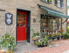 The PHS Holiday Pop Up Store is open! Located at 8433 Germantown Avenue in Chestnut Hill, the holiday retail haven offers exceptional gifts for the gardener, designer, and culinary enthusiast on your list.