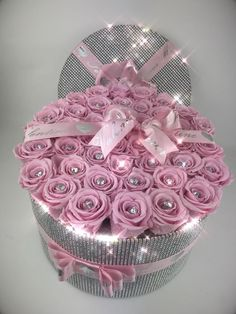 'The Opulence' Bling Box Preserved Roses – Forever Flowers Hat Box Flowers, Flower Box Gift, Flower Boxes, Diy Flowers, Cute Mothers Day Gifts, Mothers Day Crafts, Happy Flowers, Beautiful Flowers, Shabby Chic Boxes