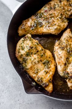The easiest way to bake chicken breasts. Garlic butter baked chicken breasts are seared on the stove and finished in the oven. Great for weekly meal prep! Homemade Garlic Butter, Garlic Butter Chicken, Skillet Chicken, Lemon Chicken, Garlic Parmesan, Skillet Steak, Parmesan Pasta, Rosemary Chicken, Lemon Butter