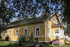 Hyttikorttelin satavuotias talo, Riihimäki