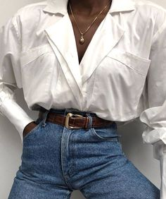 Styling Classic Outfits White Button Up Classic Top + High Waisted Vintage Jeans Simple Outfits, Fall Outfits, Cute Outfits, Fashion Outfits, Classic Outfits, Fashionable Outfits, Sexy Outfits, Summer Outfits, Fashion Tips