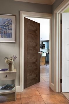 ISseo B4500 Walnut Door