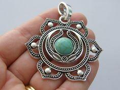 1 Chakra flower pendant antiique silver tone I96