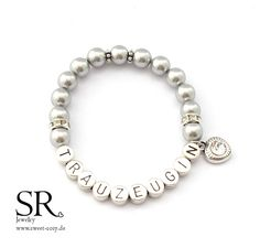 Maid of honor bracelet with gift box order at SR Jewelry. Maid of honor gift . Maid Of Honour Gifts, Maid Of Honor, Glass Wax, Gifts For Photographers, Fitness Gifts, Metal Letters, Simple Bags, Bridesmaid Gifts, Bridesmaid Ideas