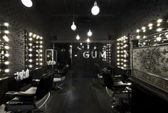 GUM Salon interior - the metal is awesome Hair Salon Interior, Home Salon, Design Salon, Salon Interior Design, Design Design, Barbershop Design, Barbershop Ideas, Barber Shop Decor, Hair Shop