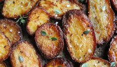 Perfect Roast Potatoes, How To Cook Potatoes, Roasted Potato Recipes, Roasted Potatoes, Hasselback Potatoes, Finland Food, Roast Dinner, Stop Eating, Sweet And Salty