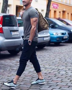 Urban style // mens fashion // casual style // city boys // mens accessories // city boys // urban men // urban living // city life //