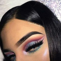 Discover these natural makeup for teens Image# 0510 Dramatic Wedding Makeup, Dramatic Eye Makeup, Blue Eye Makeup, Smokey Eye Makeup, Love Makeup, Makeup Inspo, Skin Makeup, Makeup Inspiration, Makeup Tips