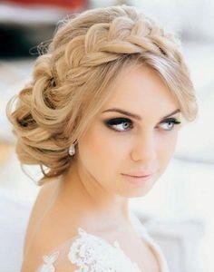 fryzura ślubna blond