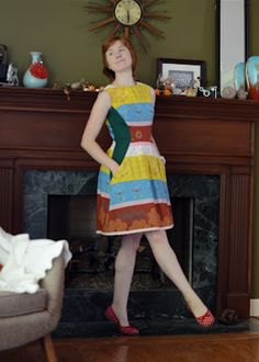 Adore this dress by The Pretty Pickle: Simplicity 2591...featured and discussed on her MMMay Day 6-10 post. Side panels in green are gorgeous.