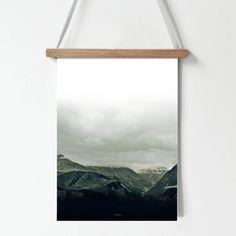 Skandynawski plakat z grafiką: Góry