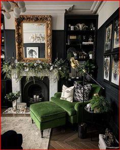 Dark Living Rooms, Living Room Green, Green Rooms, Home Living Room, Living Room Designs, Modern Living, Gothic Living Rooms, Living Room Themes, Green Living Room Furniture