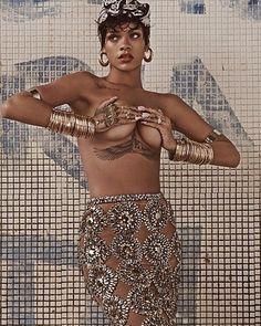 Rihanna LUI spread #Headwrap