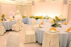 結婚式場写真「夏にぴったりのひまわりコーディネート 元気なイメージで会場も華やかに」 【みんなのウェディング】