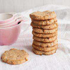 The incredible 3 ingredient coconut cookies! Lemon Coconut, Banana Oats, Coconut Cookies, Cupcakes, Shredded Coconut, Vegan Gluten Free, Sugar Free, A Food, Food Processor Recipes