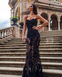 Evo da je vidite i od napred :) Zao mi je sto ne mozete da vidite pravu sliku korpica.. ali pokusacu i da snimim pa ce biti bolje.. Ali se… Prom Dresses Long With Sleeves, Mermaid Prom Dresses, Long Bridesmaid Dresses, Strapless Dress Formal, Nice Dresses, Formal Dresses, Simple Cocktail Dress, Long Dress Design, Leder Outfits