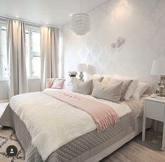 Better late than never😄 It's my time to go to bed but first I want to show you our bedroom before and after a few changes. More pictures… Cozy Bedroom, Bedroom Decor, Bedroom Ideas, Bedroom Inspiration, Master Bedroom Design, My New Room, Beautiful Bedrooms, Living Room Decor, Home Decor