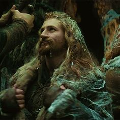 FILI: looking glorious even with shit in his hair <3