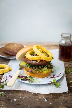 Try out these easy Fry's Traditional Burgers with Avocado and Sun-dried tomato Hummus & polenta-crusted Onion Rings. Hearty and delicious.