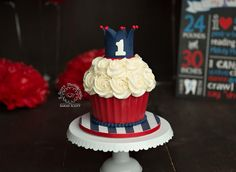 Red white and blue with crown smash cake