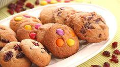 Děti milují sušenky a moc rády pomáhají maminkám v kuchyni. Není proto nic jednoduššího než si klidně společně nějaké upéct. Bude vás to bavit! Muffin, Cookies, Breakfast, Desserts, Brownies, Food, Crack Crackers, Morning Coffee, Tailgate Desserts