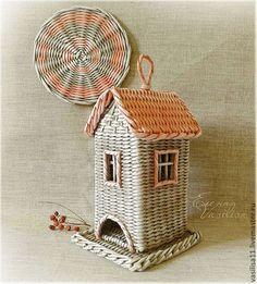 """Кухня ручной работы. Ярмарка Мастеров - ручная работа. Купить Чайный домик """"Старый город"""". Handmade. Чайный домик, винтажный Newspaper Basket, Newspaper Crafts, Paper Weaving, Weaving Art, Willow Weaving, Basket Weaving, Corn Dolly, Weaving Designs, Quilling Paper Craft"""