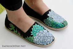 How to paint shoes: a beginner's guide for creating custom canvas shoes with acrylic paint. Make them for your friends or start a small business! Painted Canvas Shoes, Painted Toms, Painted Sneakers, Painted Jeans, Hand Painted Shoes, Shoe Crafts, Decorated Shoes, Shoe Art, Art Shoes
