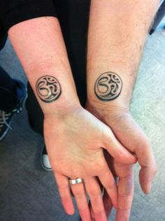 Our first tattoo (22-06-2013) Aum Tattoo, om, symbol, symbool, black, inkt, couple